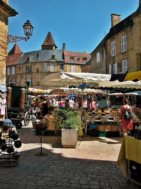 Dordogne Le marché de Sarlat
