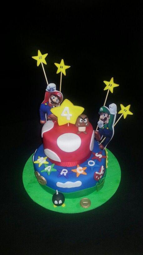 "Torta decorada con fondant "" Mario Bros"""
