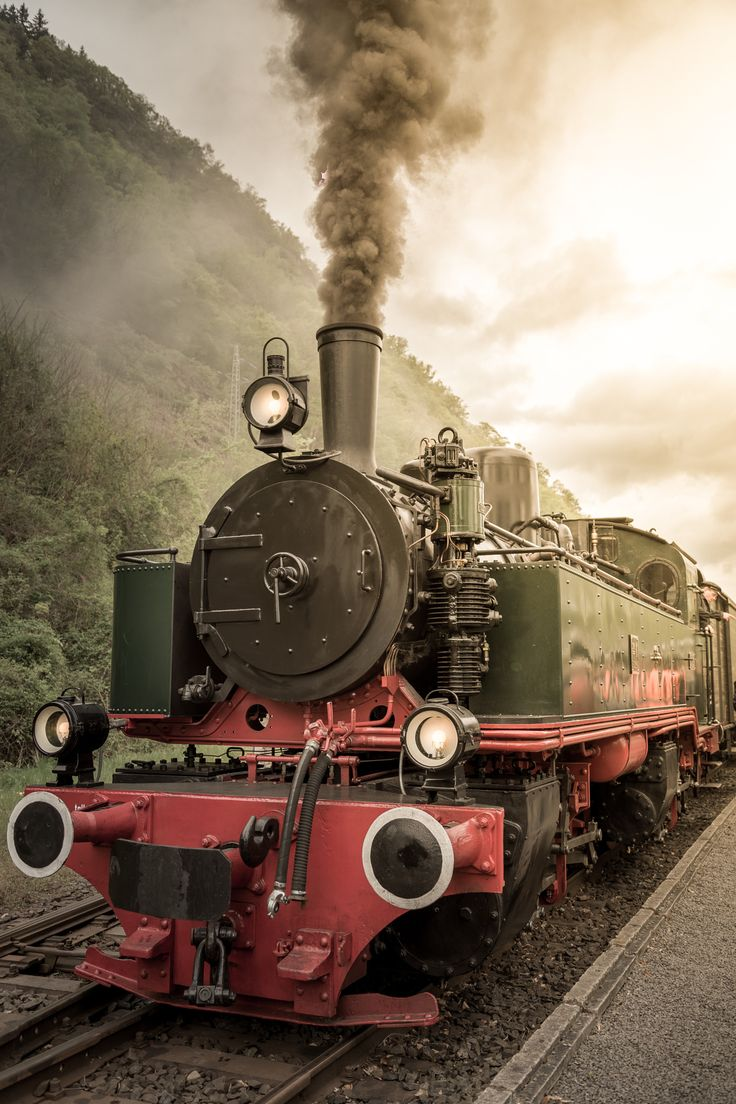 Steam locomotive by Benjamin Brants on 500px