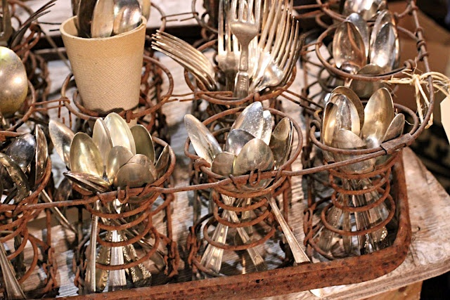 Silverware service at your vintage wedding or party