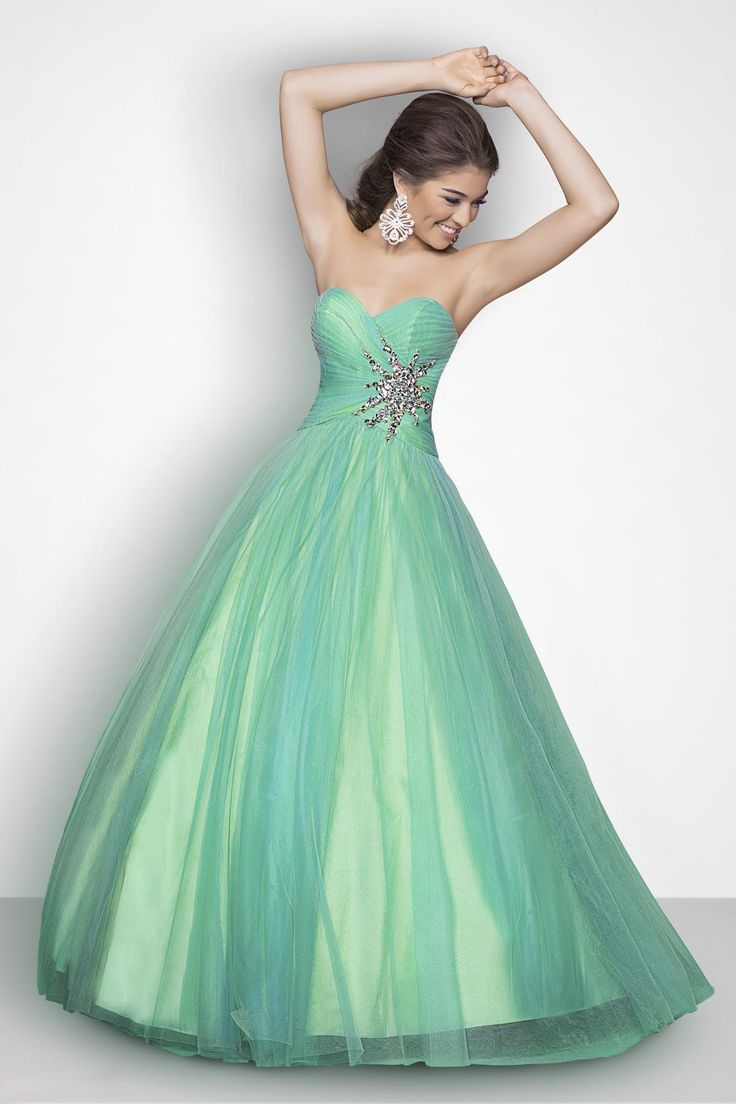 115 best Dresses for her 15/sweet 16 images on Pinterest | Princess ...
