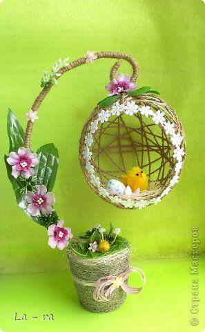 Подготовка к Пасхе в продолжение моих работ: http://stranamasterov.ru/node/752663. Делала заказ, поэтому топиарчики такие похожие. Материал шпагат, искусственные цветы, декоративные элементы. Приятного просмотра))) фото 4