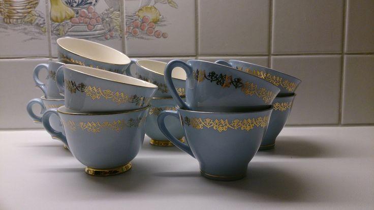 To varianter av kaffekopper i Blå Marie fra Figgjo Flint