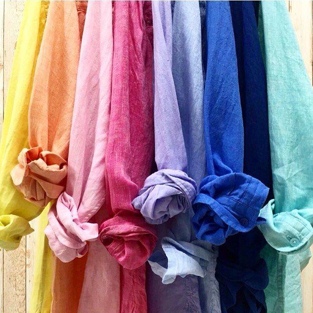 新作2016年のリネンシャツが入荷しました素材はフレンチリネン100%✨春らしいカラーが揃いました…✨無地やストライプ、チェックもありますよ✨ * オンラインや一部店舗先行発売✨ WOMEN プレミアムリネンシャツ(長袖)...¥2990+TAX. 品番:164518