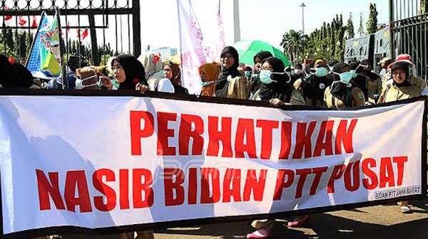 Pengumuman CPNS Bidan PTT Harus Tunggu Presiden