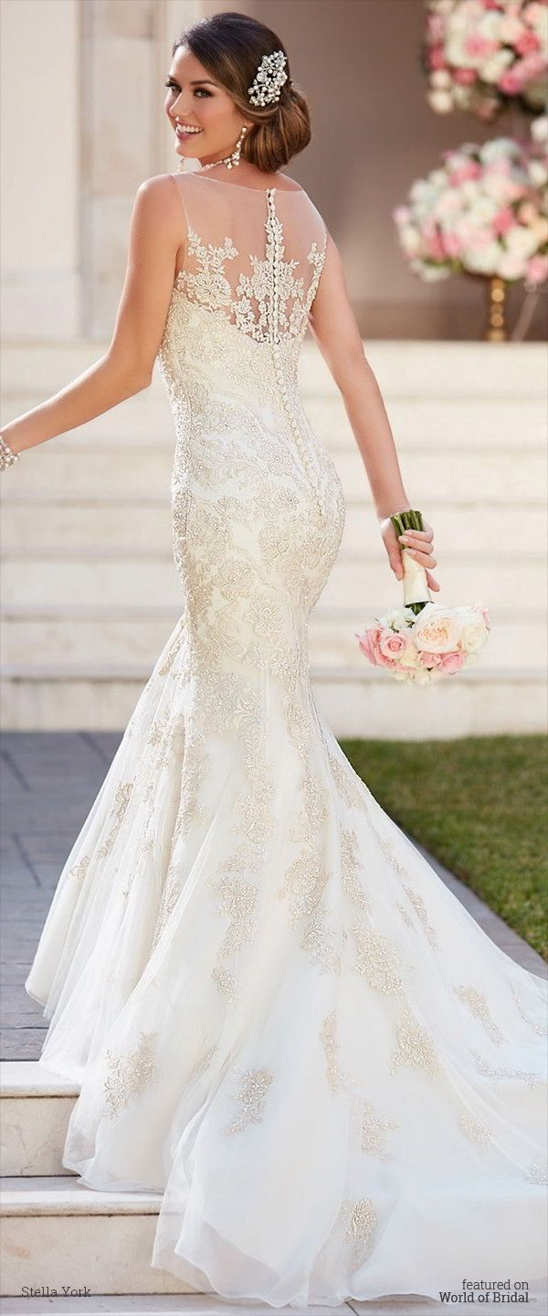 Best 20 wedding dress buttons ideas on pinterest for Fall lace wedding dresses