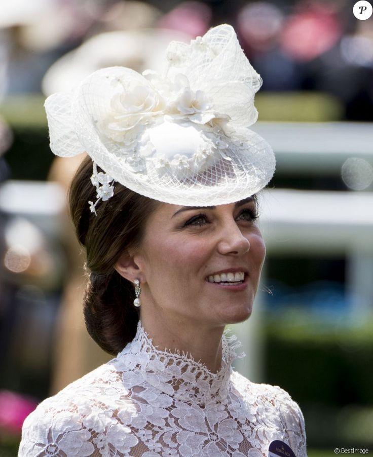 """Catherine (Kate) Middleton, duchesse de Cambridge - La famille royale d'Angleterre lors de la première journée des courses hippiques """"Royal Ascot"""" le 20 juin 2017."""