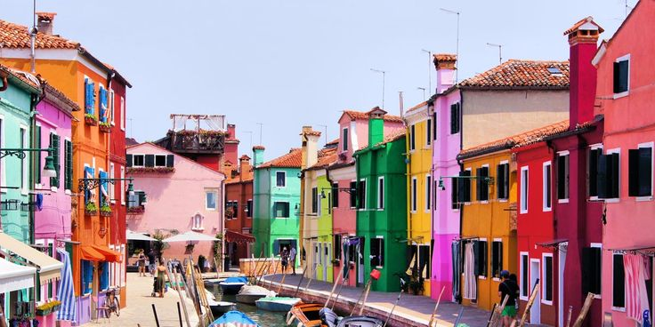 We've compiled the ultimate Italy bucket list, from Rome's Colosseum to Rimini's beaches.