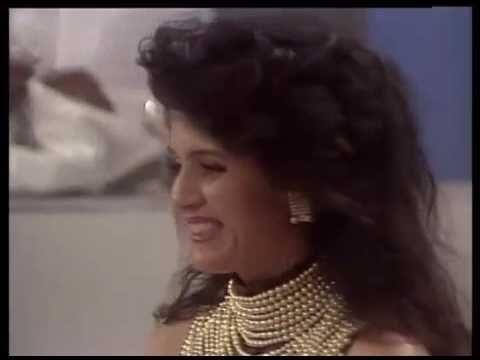 OS TRAPALHÕES DIDI NO MUNDO TEATRAL  (Puxa vida, como é o nome da atriz que interpretou a dona da Brasília?? Há tempos tô pesquisando, ela também, além de excelente atriz, era uma talentosíssima dançarina)