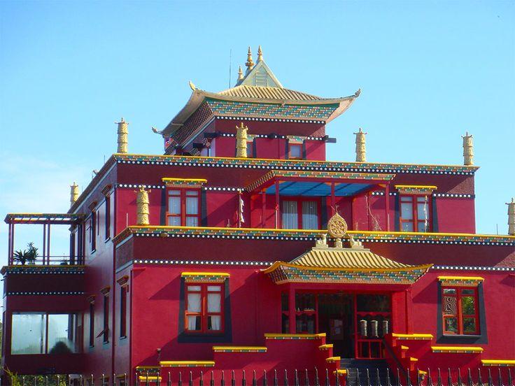 Templo Budista Khadro Ling: o Tibete na Serra Gaúcha - http://gramadoexperience.com/2017/06/templo-budista-khadro-ling-o-tibete-na-serra-gaucha/