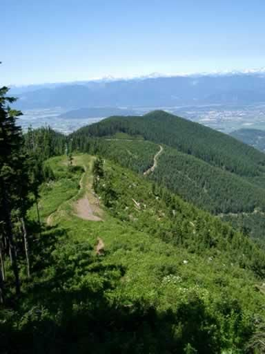 Liumchen Lake Trail