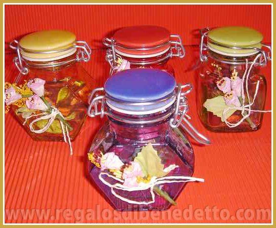 Especiero de cristal con popurrí aromatizado en el interior. Colores y formas surtidas. #Detalles #Bodas #Wedding #Details