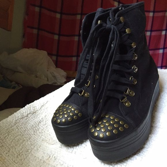 Sinful JC Play HOMG Platform Studded combat boots JC Play HOMG Platform studded combat boots with side zip | brand new in box and never even tried on before | size 39 ( which I think is like a 9.5?) | #jeffreycampbell #jc #combatboots #punk #goth #gothic #emo #platforms #platformwedge #platformboot Jeffrey Campbell Shoes Combat & Moto Boots