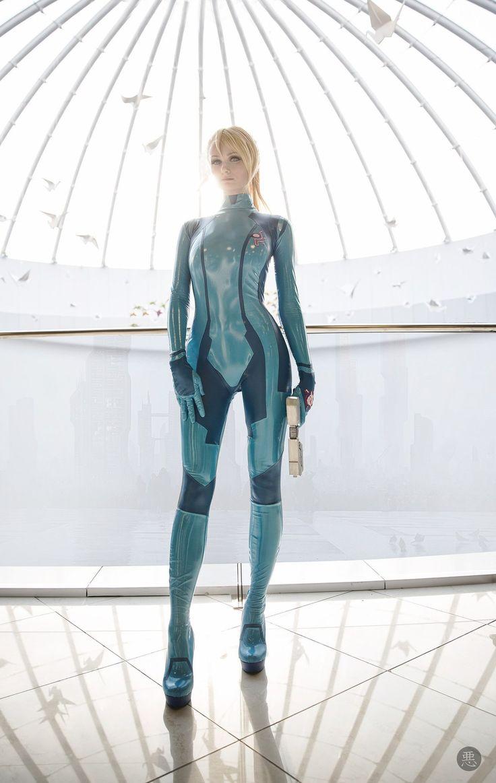 Zero Suit Samus cosplay by tniwe (Vlada Lutsak)