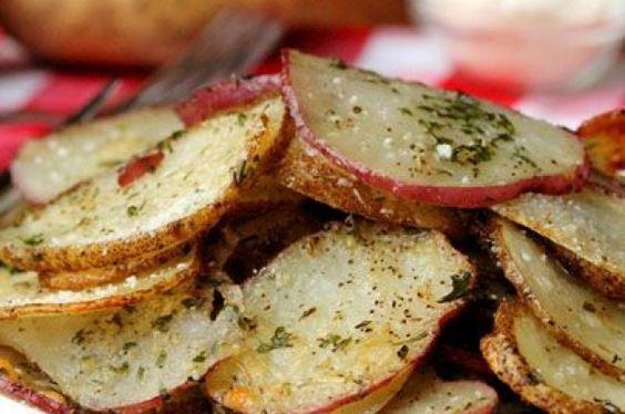 Картофельная запеканка с чесноком