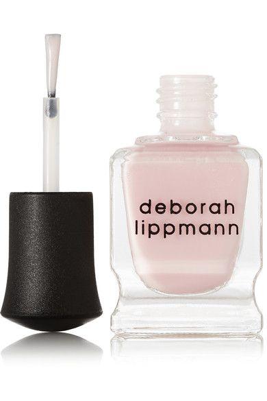 Anwendung:  Rollen Sie das Fläschchen leicht zwischen Ihren Handflächen hin und her, um das Produkt aufzuwärmen  Beginnen Sie in der Mitte des Nagels, und tragen Sie eine dünne Lackschicht vom Nagelbett bis zur Nagelspitze auf. Wiederholen Sie den Vorgang für einen intensiveren Glanz und Farbeffekt  Für eine splitterfeste Maniküre verwenden Sie dazu den [Deborah Lippmann Unterlack id349324] und [Überlack id349327]  15 ml