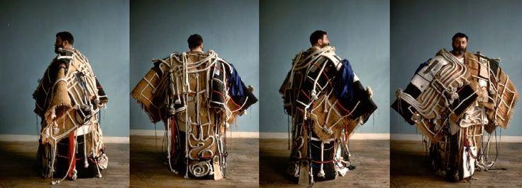 Etienne-Martin, le manteau, 1962 Série des Demeures, matériaux de récupération