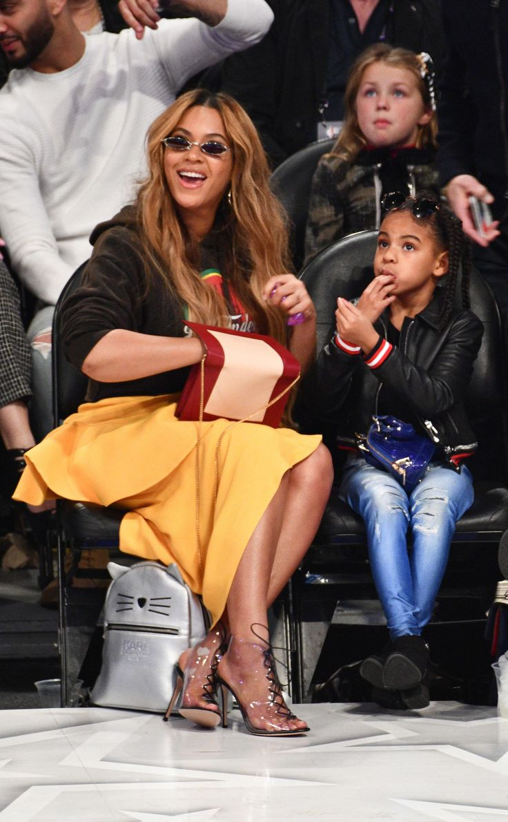 Beyoncé And Blue Ivy Snap Selfies During Adorable Mother-Daughter Night Out At NBA All-Star Game