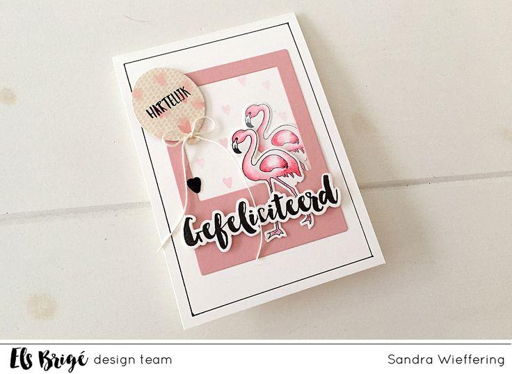 Hallo, vandaag laat ik jullie weer eens een kaartje zien gemaakt met de mooie Aquarel Flamingo's. –Hi, today I will be sharing another card made with the beaurtiful Aquarel Flamingo's. De achtergrond heb ik gestempeld met de hartjes van de Knuffelkonijn stempelset. Gefeliciteerd is van de … Lees Meer