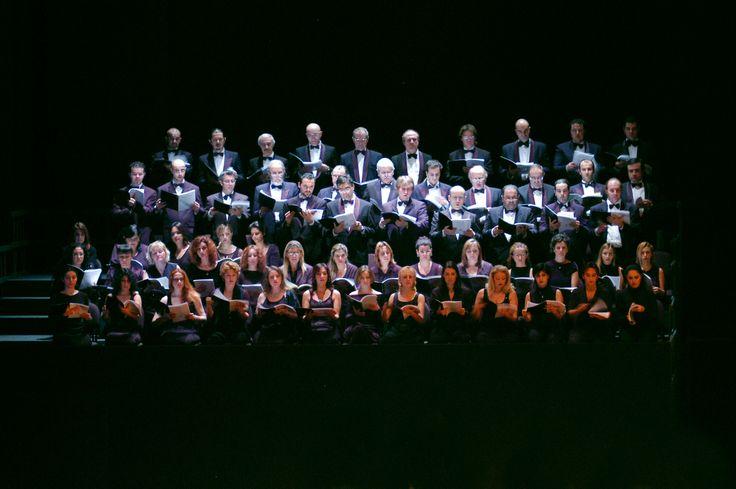 Coro del Teatro Regio di Parma (Ph. Roberto Ricci) - Foto di repertorio.