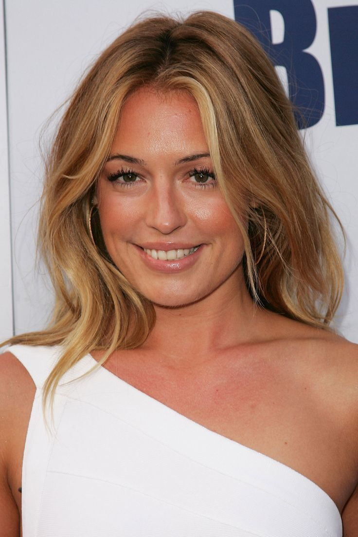 Cat Deeley love her hair and make up