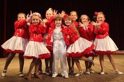Детские сценические костюмы для эстрадного вокала
