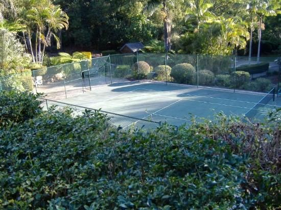 "backyard tennis court | Beautiful, tranquil ""backyard"".- Picture of Montville Mountain Inn ..."