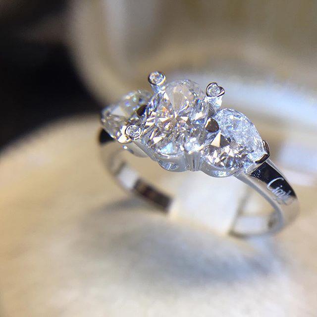 Anello trilogy in oro bianco con diamante ovale e cuori 1,86ct D SI - CICALA - Cicala.it