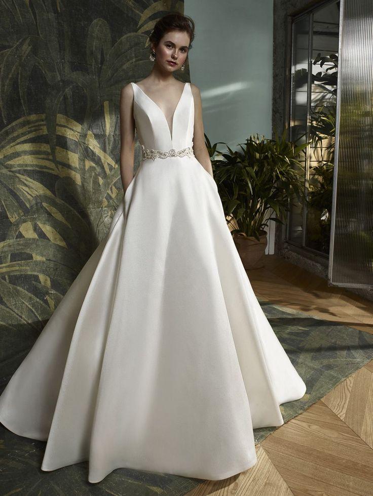 30 best Designer Dresses 4 images on Pinterest | Wedding frocks ...
