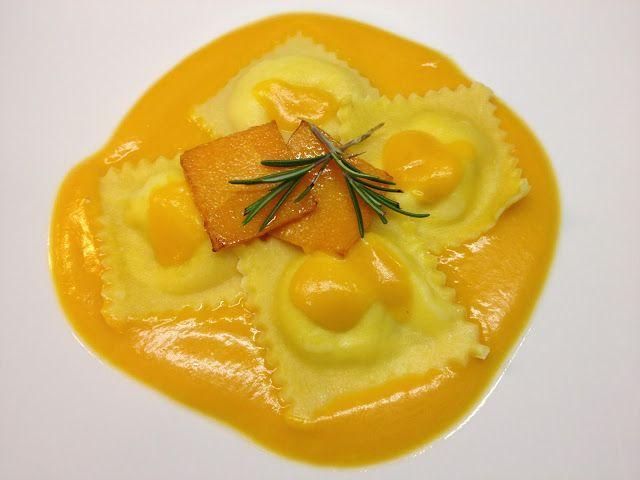 architettando in cucina: Ravioli di pecorino a latte crudo con zucca gialla profumata all'arancia