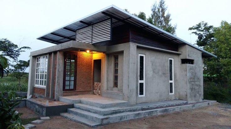 โดยบ้านหลังนี้เป็นของคุณ Woody Watcharawut ซึ่งเจ้าของบ้านออกแบบเองและคุมงานและทำเองเลยนะครับ ใช้ระยะเวลาทำมาแล้ว 1 ปี 4 เดือน และใช้งบไปแล้วประมาณสองแสนต้น ๆ ตัวบ้านหน้ากว้าง 7 ม. ยาว 10 ม. 2 ห้องนอน 1 ห้องน้ำแต่บ้านยังคงไม่เสร็จทั้งหมด เจ้าของบ้านไม่ค่อยมีเวลาทำ ส่วนงานที่เหลือก็จะมี งานไฟฟ้า ติดประตูอีก 4 บาน ขอน้ำ ขอไฟ และเก็บงานเล็กๆน้อยๆ อีกนิดหน่อย กะไว้ว่าต้นปีหน้าไม่เกินกุมภาคงได้เข้าอยู่ได้แล้ว นี้ขนาดยังไม่เสร็จทั้งหมดยังสวยขนาดนี้ ลองชมกันเลยครับ แบบแปลนบ้าน ภาพระหว่างงานก่อสร...