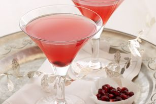 Pomegranate Cosmopolitan -- using Crystal Light (70 calories)