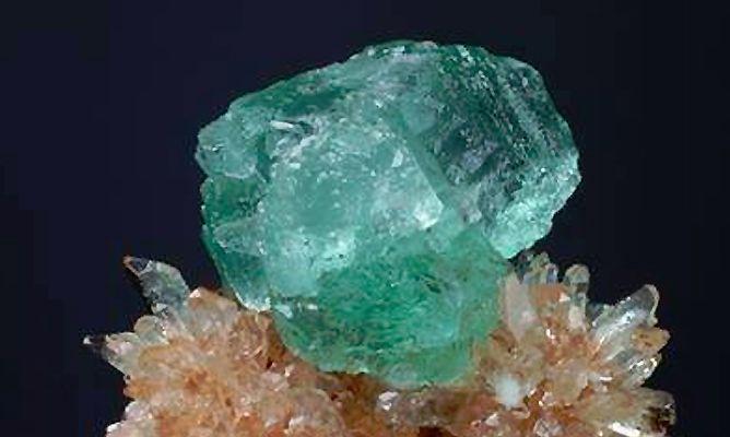 Gemas aguamarina gemoterapia piedras y sus poderes for Color aguamarina