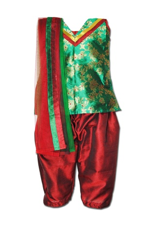 The typical combination of green & maroon gives this salwar kameez a stunning look. The golden & maroon detailing at the neck & golden thread work all over the kameez makes it really traditional. The matching maroon & green net dupatta makes a regal statement.