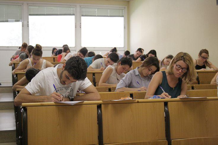 Más de tres mil estudiantes han comenzado hoy con la prueba de selectividad