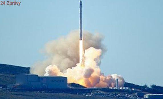 Po havárii úspěch: raketa Falcon 9 odstartovala k letu na oběžnou dráhu