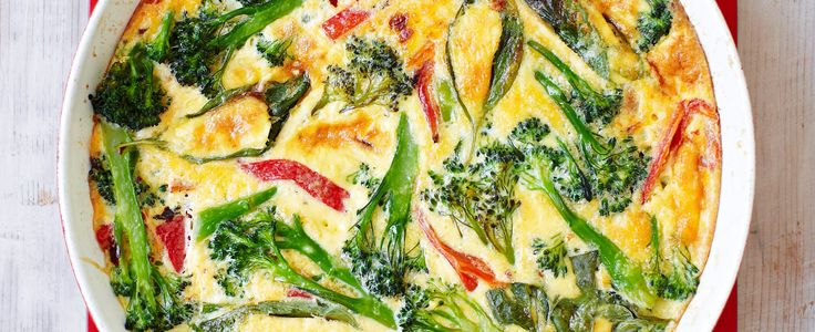 Our best and most vibrant low calorie vegetarian recipes, all under 300 calories. From on-trend mini socca pizzas, to light and crisp spinach and ricotta filo pie, to fun falafel and halloumi burgers. All are really quick and easy to make for Vegetarian Week.