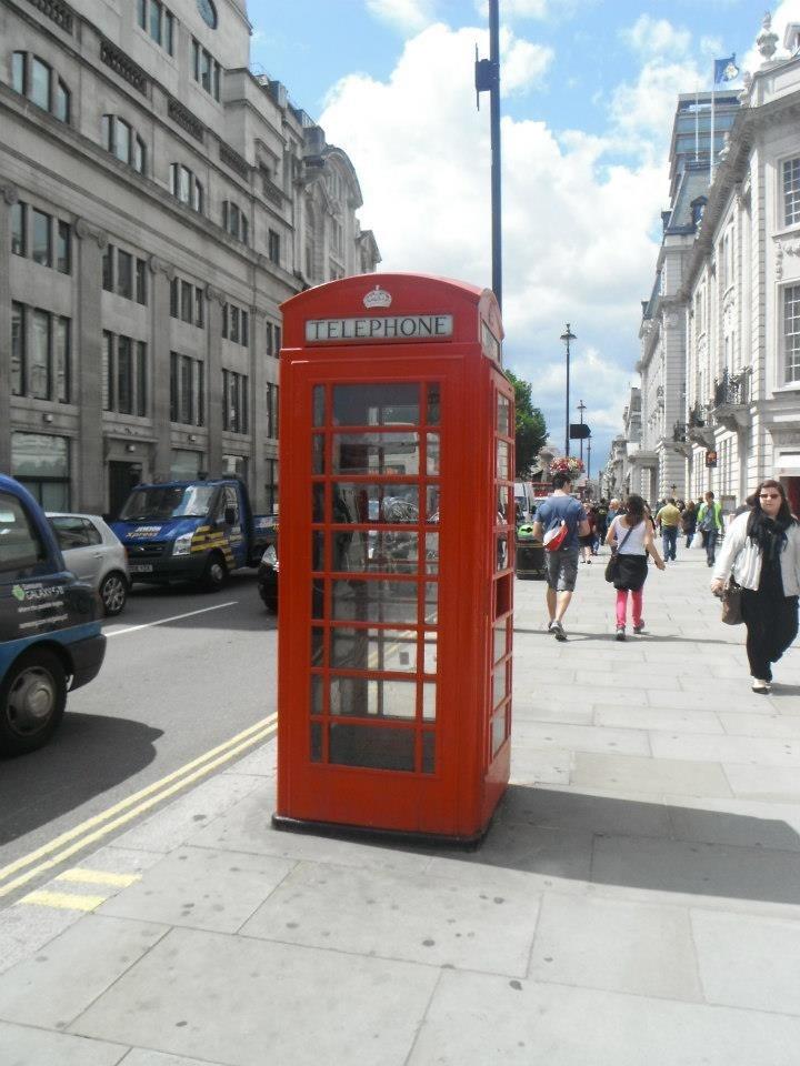 Classic Phone Box! Trafalgar Square, London!