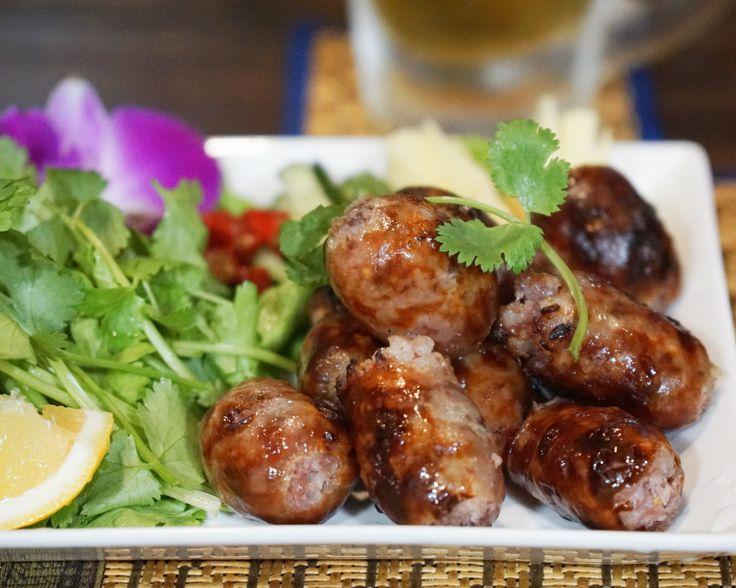 ไส้กรอก อีสาน (Sai Krok Isan), Thai Isan(North-eastern) style sausage.