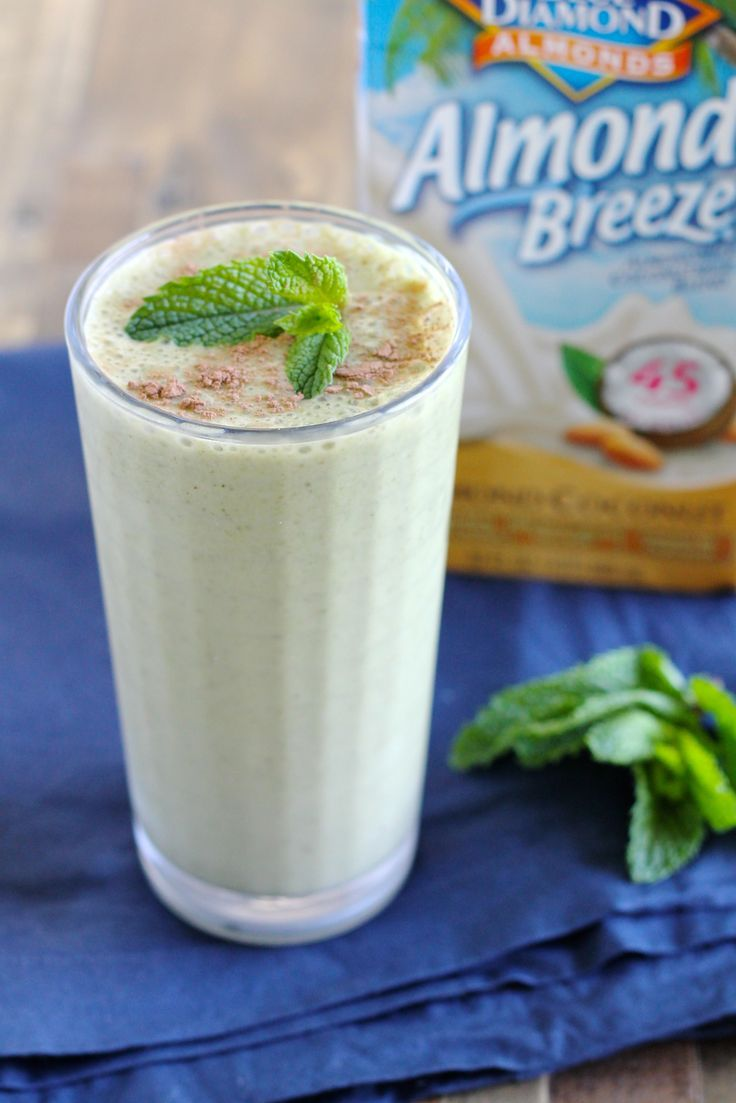 Mint Chocolate Chip Protein Smoothie