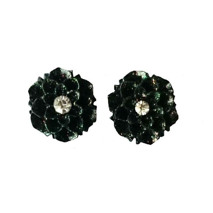 Charlies Nail Art - 3D nail art blossom flower charms, £0.29 (http://www.charliesnailart.co.uk/3d-nail-art-blossom-flower-charms/)