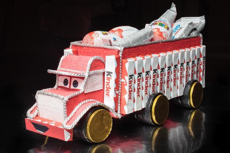 http://www.zlatbuket.ru/catalog/child/item/73-big-kinder  Грузовик из шоколада Kinder
