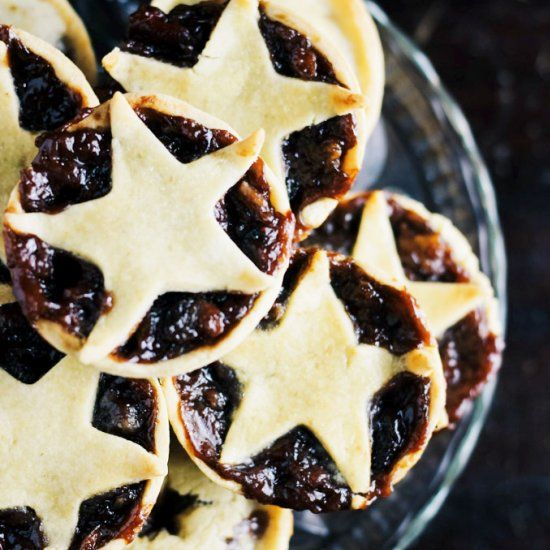 Sugar free, low carb, vegan, gluten free mincemeat, with a sugar free pastry for mince pies (or use your favorite).