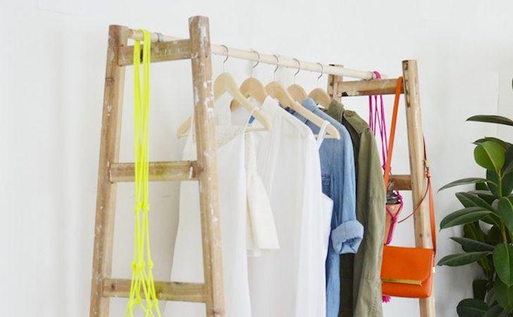Une penderie DIY - Vous cherchez une penderie qui sort de l'ordinaire mais ne trouveez rien qui s'en approche de près ou de loin dans vos magasins de décoration préférés ? Et