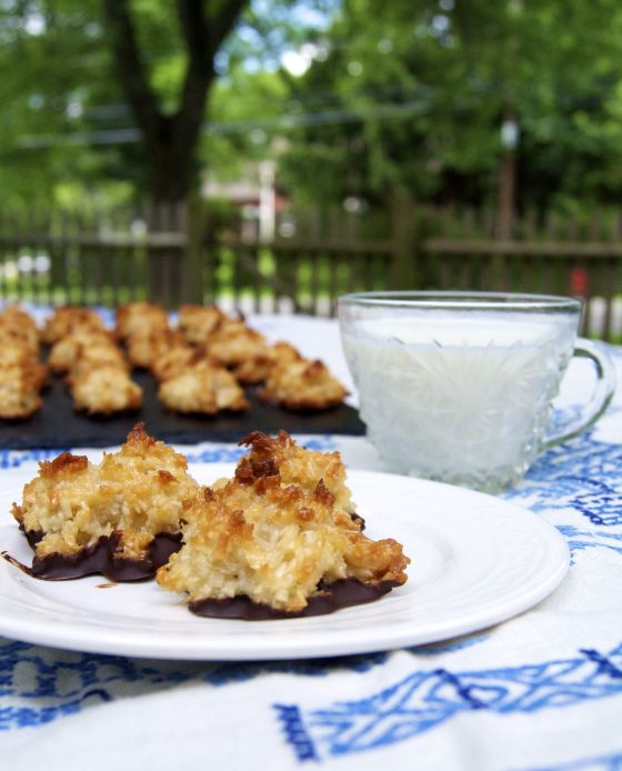 Coconut Macaroons | Baking.Delicious.MMM. | Pinterest | Coconut ...