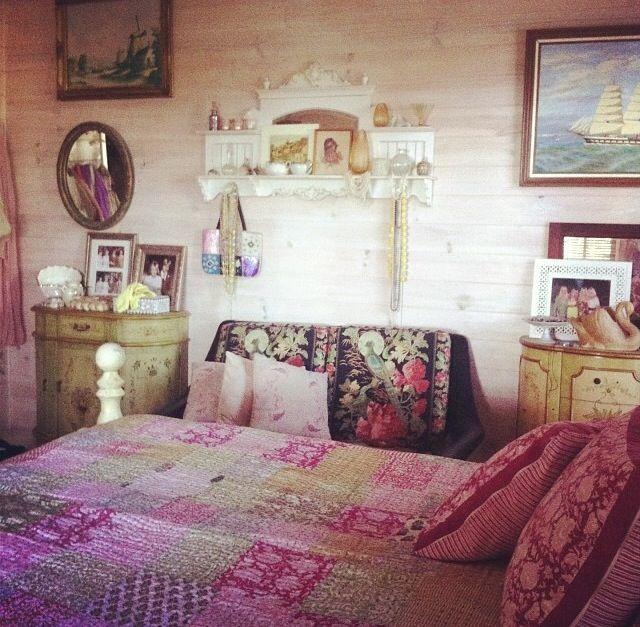 91 best images about boho bedroom on pinterest boho gypsy bedroom and tapestries. Black Bedroom Furniture Sets. Home Design Ideas