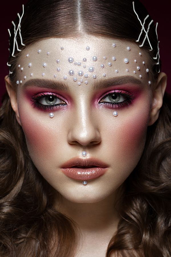 Onwijs Pearl Make-up für das Cherry Magazine on Behance   Visagie QG-69