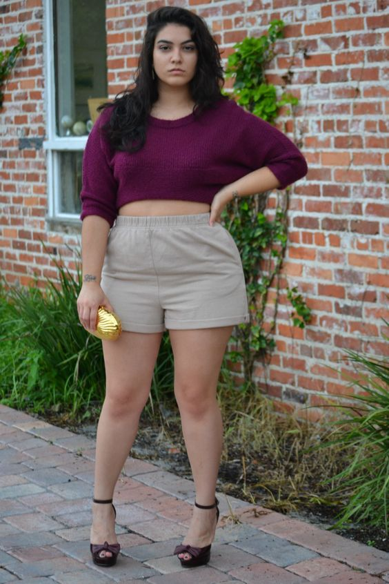 5fbd96247f1 12-1 20 Ideas on How to Wear High Waisted Shorts for Plus Size Women