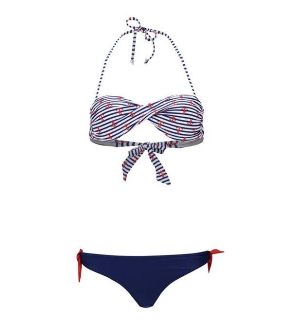 Un maillot de bain marin