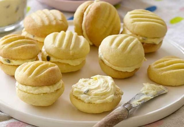 These passionfruit yoyos are great to take as a bring-a-plate treat over the Easter holidays.